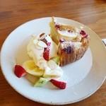 ミズサキノート - サンふじとフランボワーズのケーキ