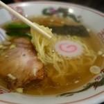 ラーメン本舗 まるみ - (2015/3月)東京ラーメンの麺(細麺)