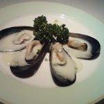イサベラ - ムール貝一度試して意外に美味い。