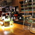 自家焙煎珈琲豆屋cafe use喫茶室 -
