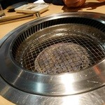 近江牛卸問屋 焼肉 激 - ロースター、網