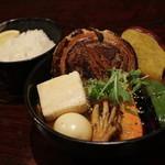 奥芝商店 駅前 創成寺 - 料理写真:豚の丸煮と福井豆腐カリ〜