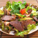イート パーク タイ - やわらか牛肉のグリルサラダ ヤムヌア 1200円