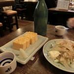 舞々亭 - 厚焼玉子とエイヒレ各303円