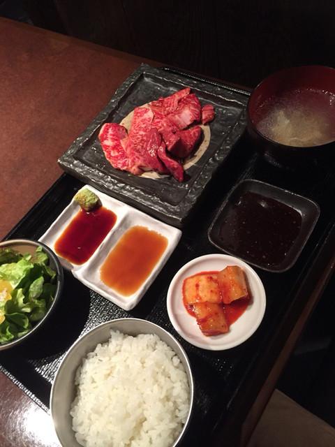 一頭買焼肉 醍醐 有楽町店 - 合盛定食 980円