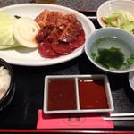 天壇(焼肉)家族亭 - 焼肉ランチ950円