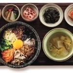 韓食 古家 - 石焼ビビンパ定食 2,055円