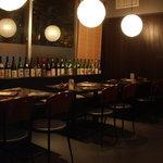 YAKITORI 鳥じん - テーブル席でしっぽりと日本酒三昧!