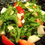 YAKITORI 鳥じん - 苺と独活 ワサビ菜のサラダ 柚子味噌ドレッシング