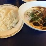 La Kasuga - 料理写真:Bランチ(ハンバーグステーキカレー)(他サラダ、スープ、ドリンク付)880円