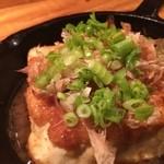 粋憩酔家 家風 - 豆腐ステーキ。美味しい豆腐は湯に通してさらっと戴くのが一番と思っていた私の価値観を打ち破った一品。ソースと豆腐がユニゾンとなって味を奏でます。