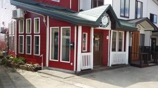cafe Iris - 教会の隣にあるお店  イリス