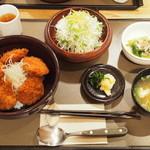 ケンボロー - 料理写真:カツ丼