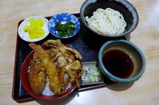 たぬき - 日替わりランチ(夜も可)天丼+うどんで750円
