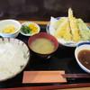 天翔 - 料理写真:しばらく待つとお待ちかねの天ぷら定食730円の登場です。