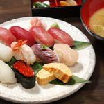 鐘栄丸 - 特上握り寿司