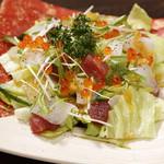 鐘栄丸 - 海鮮サラダ