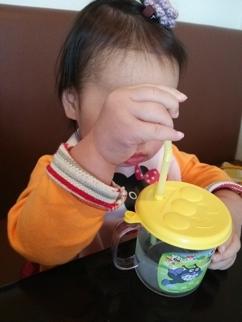 パラティーノ - 子供用のお水がふたつきマグ♪