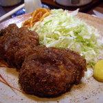 とんかつ ブウ亭 - 妻の「ミニヒレカツ定食」(1430円)