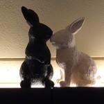 two of us - この子達も、白と黒です