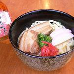 空 - 宴会の〆はやはらい沖縄そばですね。ソーキそばもあります。