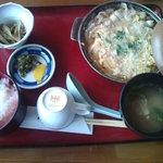 3681992 - 豚肉玉子とじ定食(700円)