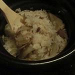 博多前炉ばた一承 - 鶏とゴボウの土鍋炊き御飯/2合:980円