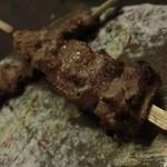博多前炉ばた一承 - 豚バラ串焼き(味噌漬)2本:280円