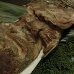 博多前炉ばた一承 - 鯛カマ塩揚げ:680円