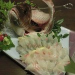 博多前炉ばた一承 - 玄海産 真鯛活き作り:2980円