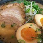 麺屋二郎 - ★★★★ 重ね味 煮玉子のせ