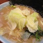 元喜家 - 料理写真:醤油豚骨キャベツ