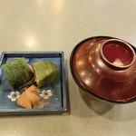 36818689 - 鯖寿司とお吸い物。
