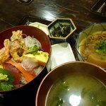 魚処丸正 - 海鮮丼980円(平日ランチタイム)10食限定