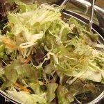 ドミニカ - おかわりできるサラダ