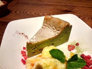 チャムアパートメント - 抹茶チーズケーキ