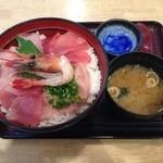 丼いなはん - 海鮮丼大盛¥880