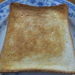 大泉製パン - トーストしました。こんがり焼けてます。