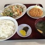 いこい食堂 - 料理写真:野菜炒めメンチ定食