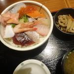 庄や - 海鮮ちらし(830円)