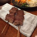 ホルモン関西 - カルビ串焼き