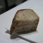 リストランテ ウミリア - パンは料理ごとにかわる