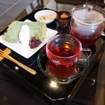Cafe嵐山 - よもぎのシフォンケーキ&ローズヒップ・ハイビスカス(750円)2015年4月