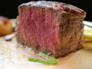 ステーキハウス キッチンリボン - 最高級牛シャトーブリアン断面