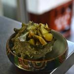 節子鮮魚店 - サザエの炭火焼