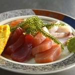 節子鮮魚店 - 刺身の盛り合わせ