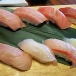 36848895 - 鮪と地魚定食 大島 の お寿司。