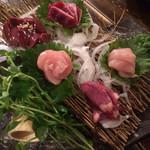 備長焼鳥 トサカ商會 - 造り盛り5種盛り