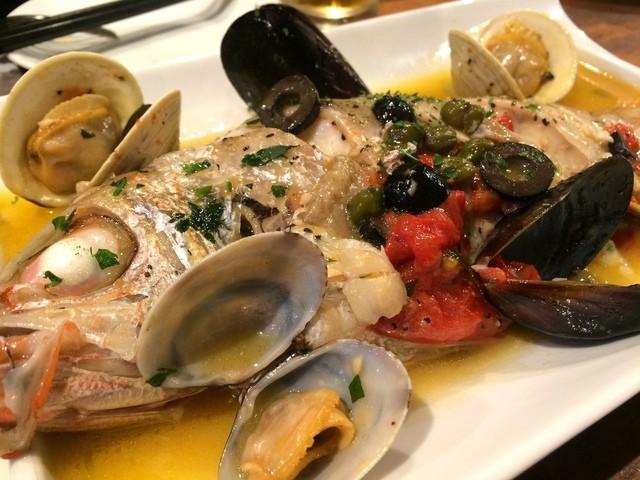 魚とワイン はなたれ 野毛店 - のどぐろのアクアパッツァ