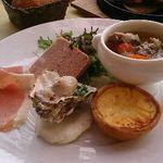 ふらいぱん - 人気のビストロ定食  パリの下町で食べてるような満腹感たっぷりです。